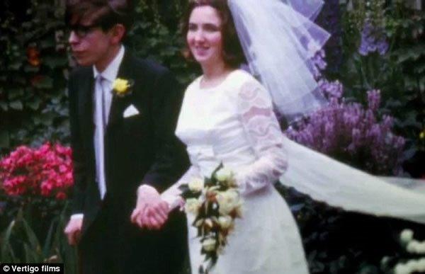 斯蒂芬霍金的妻子复婚_图史蒂芬霍金5月3日消息