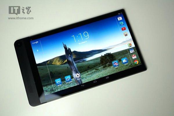 戴尔Venue 8 7840采用8.4英寸OLED显示屏,分辨率为2560*1600;搭载来自Intel的Atom Z3580处理器,最高主频可达2.3GHz;采用2GB内存+16GB内置机身存储;预装Android 4.4操作系统。 该平板电脑的包装十分简洁,整体采用白色包装盒,其中有充电器、USB数据线以及说明书。除此之外,再无其他。从视频中我们可以看到,由于这部平板电脑实在太薄,因此从桌上拿起时还要费些力气。