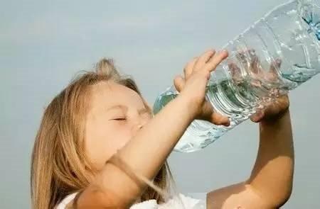 老外都不喝开水:开水和凉水差别在哪?
