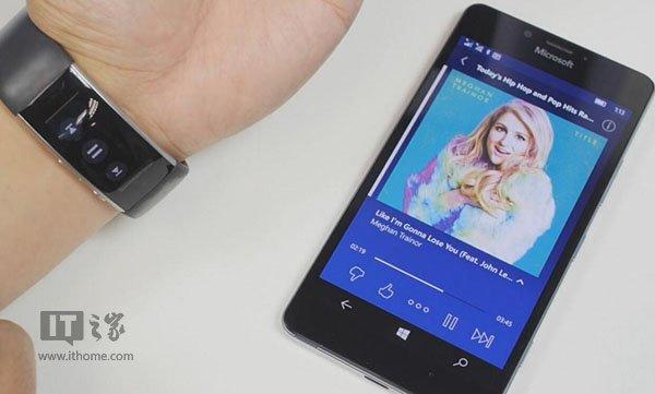 微软手环2音乐控制视频演示:启动方式有来头