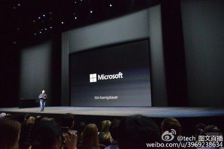 又穿越了,微软CEO用苹果iPhone展示Outlook应用