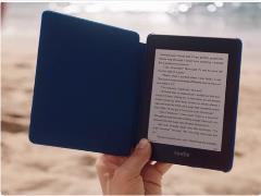 """囧科技:全新Kindle Paperwhite发布,网友神评""""泡面汤都不怕,擦灰更方便"""""""