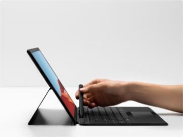 Surface Pro X續航不足預期/系統穩定差?微軟推送新Windows 10固件