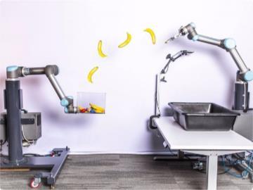 谷歌做了个机器人,扔东西比人准多了