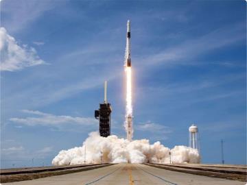 安全閥被堵塞,SpaceX更換載人任務火箭兩部發動機
