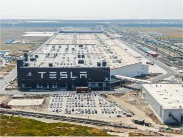 特斯拉上海工厂明年计划生产55万辆汽车:占全球总产量超一半,超10万辆出口