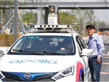 百度Apollo无人驾驶路测更进一步,李彦宏感慨:终于可以不用安全员了