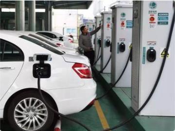 工信部对25家新能源汽车生产一致性违规企业作出处理,涉及东风、吉利、比亚迪等车企