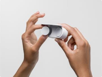 微软 Surface Earbuds 首次固件更新:提升音频质量、改进配对连接