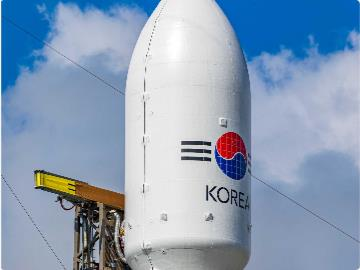 SpaceX 首次回收两片火箭整流罩,发射成本可降低 600 万美元