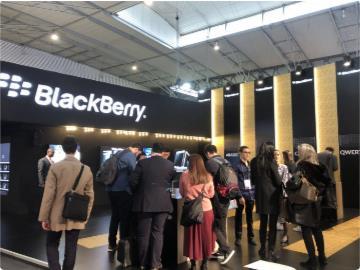 黑莓向華為出售90項智能手機專利