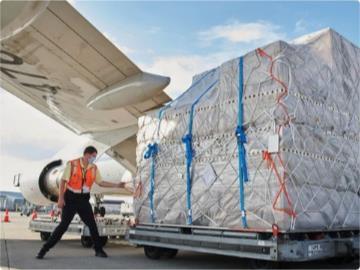疫情时代的苹果产品运输:为了减少延误,一年租了 200 次私人飞机