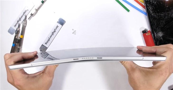 微软Surface Pro 6暴力测试:刀割、火烧、掰弯...难
