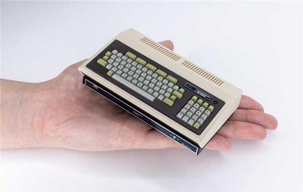 巴掌大小!日本首台PC机PC-8001复刻迷你机发售,
