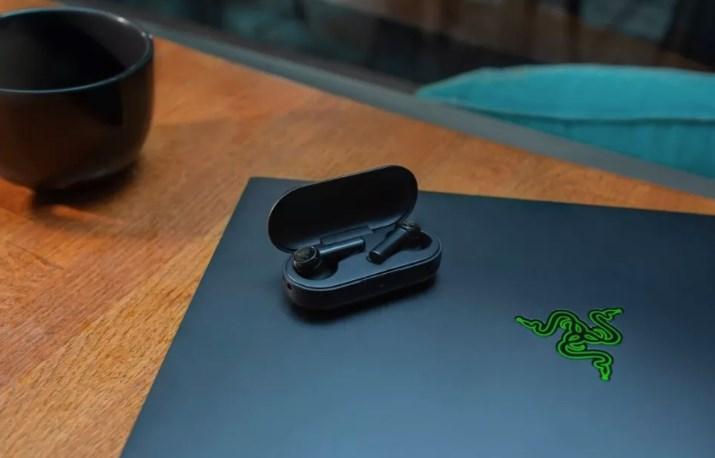 雷蛇推出战锤狂鲨真无线耳机:60毫秒延迟,699元