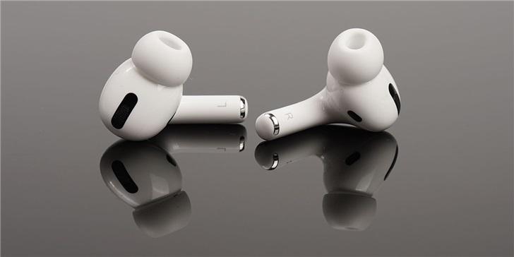 外媒称未来苹果AirPods或将变得更聪明,可放大人声