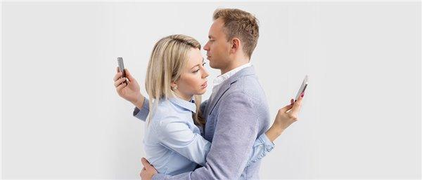 调查:超两成年轻人依赖手机并成瘾,不用手机