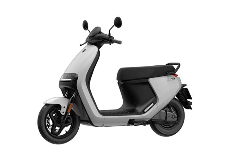 九号电动摩托车E系列上架:手机解锁/光感LED大灯