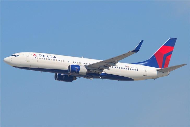 达美航空一波音737-800紧急迫降:前起落架无法收回