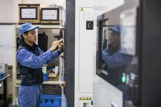 三星华为等推折叠屏手机,也给日本小厂Yuasa带来了利润丰厚的业务