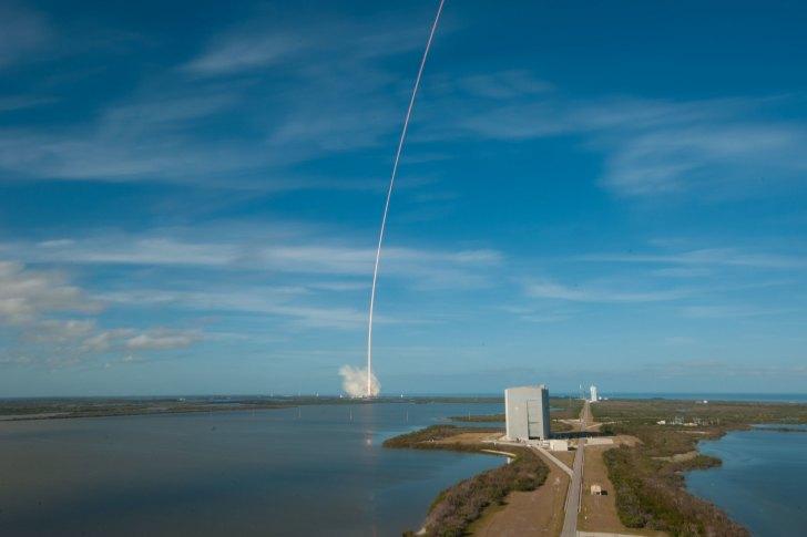 NASA宣布将发射多颗卫星用于观测太阳和空间天气