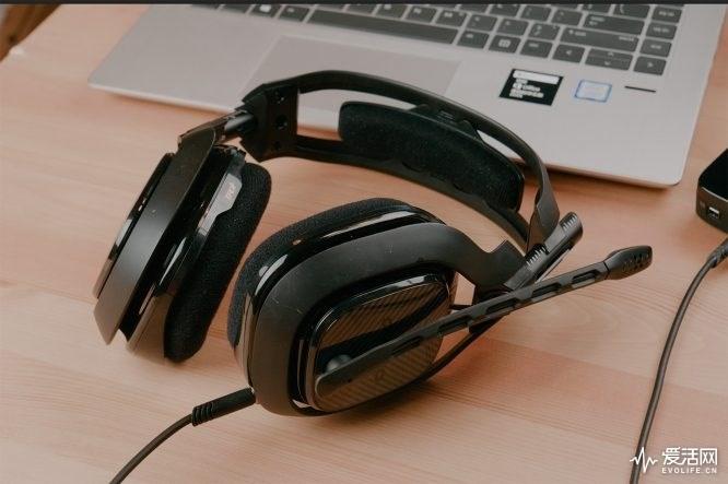 游戏耳机对阵音乐耳机,优势真的只是听声辨位?