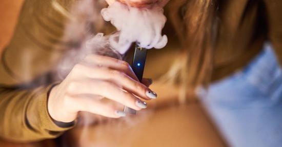 电子烟巨头Juul警告从未吸过传统香烟的人:不要使用电子烟
