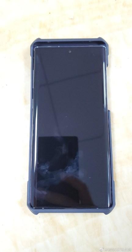 华为Mate 30系列手机壳再度曝光:由Galaxy Note 10作