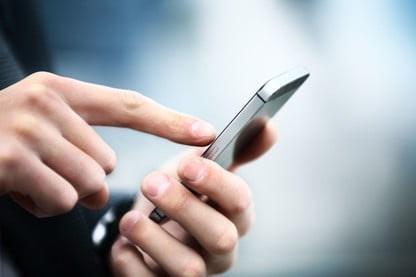 我国手机上网人数达 9.86 亿人,全年移动互联网用户接入流量 1656 亿 GB