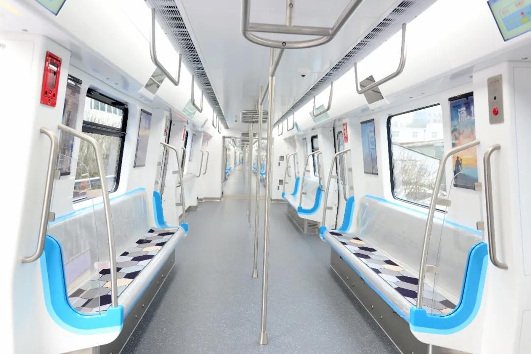 """深圳地铁进入 """"全自动驾驶时代"""",20 号线首列车下线"""