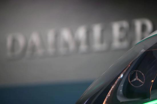 <em>奔驰</em>母公司戴姆勒同意向诺基亚支付专利使用费,双方同意停止诉讼