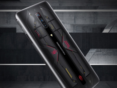 红魔游戏手机 6 Pro 氘锋透明版 18GB+512GB 零点开售,6599 元