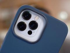 苹果官方保护壳显示,iPhone 13 Pro 后置相机体积大大增加